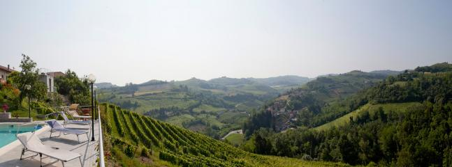 Nice B&B with Internet Access and Dishwasher - Trezzo Tinella vacation rentals