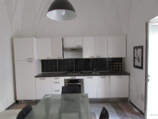 Romantic 1 bedroom Uggiano La Chiesa Apartment with Television - Uggiano La Chiesa vacation rentals