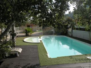 Nice Villa with Balcony and High Chair - Rousson vacation rentals