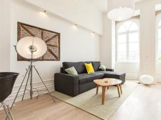 Bright 1 bedroom Guimaraes Condo with Internet Access - Guimaraes vacation rentals