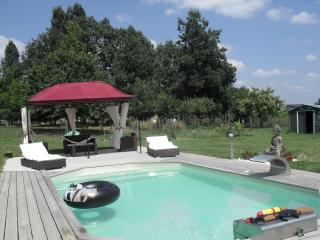 1 bedroom Bed and Breakfast with Internet Access in Miramont-de-Guyenne - Miramont-de-Guyenne vacation rentals