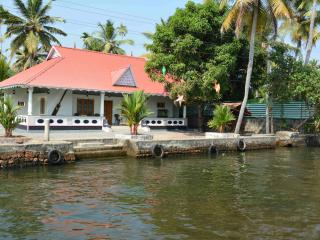 3 bedroom Villa with Deck in Alappuzha - Alappuzha vacation rentals