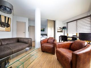 Romantic 1 bedroom Apartment in Antony - Antony vacation rentals