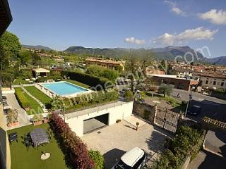 Casa Roverella A - San Felice del Benaco vacation rentals