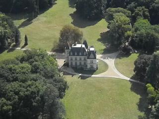 Château du Breuil /private appartment Loire valley - Tours vacation rentals