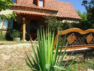 Romantic 1 bedroom Gite in Salviac - Salviac vacation rentals