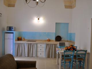 LA CORTE DEI COLORI appartamento turchese - Spongano vacation rentals