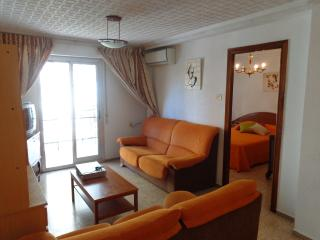 Bright 4 bedroom Flat WiFi 7 huma - Valencia vacation rentals
