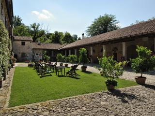 Holiday Apartment in a Farmhouse: Vinca 2 sleeps - Torreglia vacation rentals