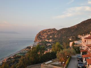 graziosissimo bivani arredato vista isole eolie - Gioiosa Marea vacation rentals
