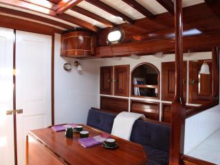 Cozy 3 bedroom Yacht in Nieuwpoort - Nieuwpoort vacation rentals