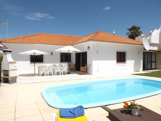 Villa Claramar (-10 p) pool, golf and beach - Albufeira vacation rentals