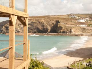 Gulls Cry - Portreath vacation rentals