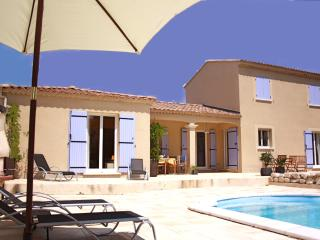 Adorable 4 bedroom Saint-Didier Villa with Internet Access - Saint-Didier vacation rentals