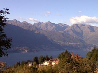Cottage di charme sul Lago di Como - Bellano vacation rentals