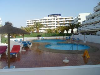 Garden city apartments - San Eugenio vacation rentals