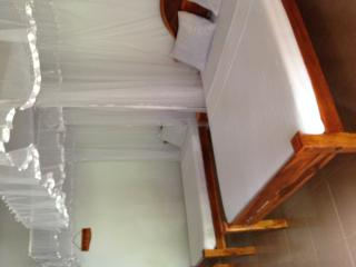 Bright 10 bedroom Polonnaruwa Guest house with A/C - Polonnaruwa vacation rentals