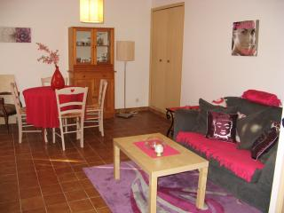 Nice Condo with Internet Access and Washing Machine - La Seyne-sur-Mer vacation rentals