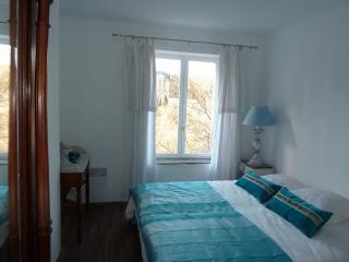 1000 délices-Chambre Bleue - Lagrasse vacation rentals