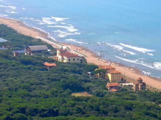 Adorable 13 bedroom Resort in Donoratico - Donoratico vacation rentals