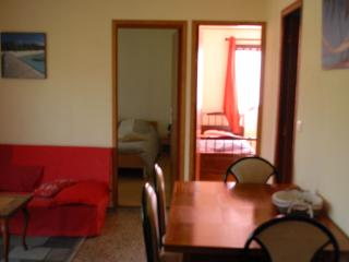 Nice Bungalow with Internet Access and A/C - Solaro vacation rentals