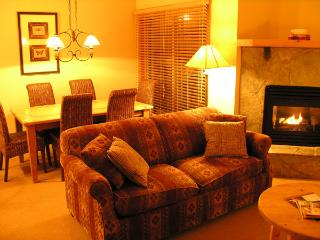 Comfortable House with Internet Access and Balcony - Golden vacation rentals