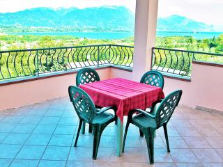 A/3 One-Bedroom Apartment Lake View Terrace 3 pers - Manerba del Garda vacation rentals