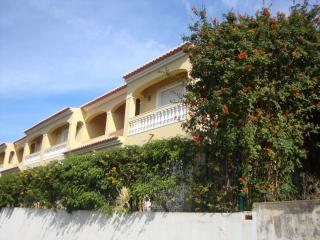 Cozy 3 bedroom Espiche Townhouse with Internet Access - Espiche vacation rentals