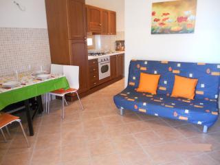 Romantic 1 bedroom Condo in Campofilone with A/C - Campofilone vacation rentals