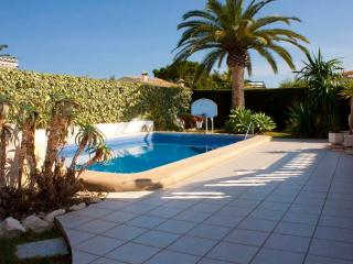 LOVELY VILLA WITH PRIVATE POOL NEAR THE BEACH - Alicante vacation rentals