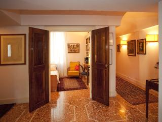 Bright 1 bedroom B&B in Vicenza - Vicenza vacation rentals