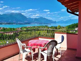 A/6 One-Bedroom Apart. Pool View Terrace 3 pers. - Manerba del Garda vacation rentals