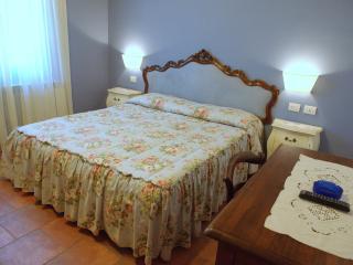double room - NIDO - - Siena vacation rentals