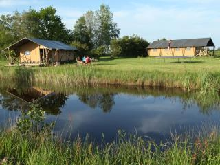 Aan het Diepje, furnished safaritents with private external bathroom - Lettelbert vacation rentals