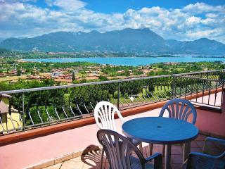 A/7 One-Bedroom Apart. Pool View Terrace 4 pers. - Manerba del Garda vacation rentals
