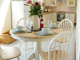 Y Golomen -  Near many beaches and Cardiff - 91710 - Barry vacation rentals