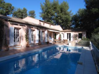 Villa Sena in Var - 5 Bedrooms - Sleeps 12 - Sollies-Pont vacation rentals