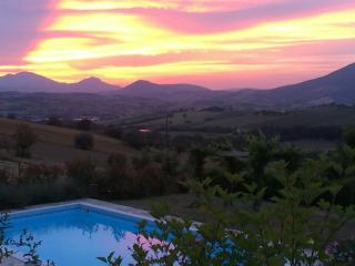 Country House La Casa dei Fiori - Matelica vacation rentals