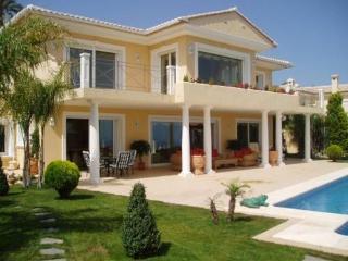LUXURY 5* VILLA with SPECTACULAR SEA VIEWS + Wifi - Moraira vacation rentals
