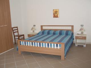 Cozy 2 bedroom Apartment in Orosei - Orosei vacation rentals
