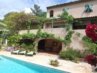 VILLA de charme avec PISCINE privée Côte d'Azur - Roquefort les Pins vacation rentals