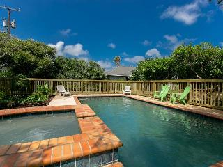 4BR/3BA Luxury Bay Home in Rockport, w/ Pool/hot tub! - Rockport vacation rentals