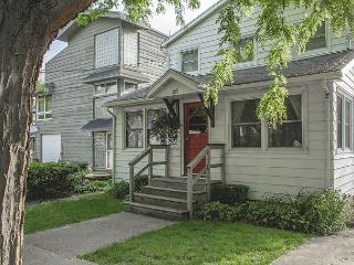 Steps from the beach, sleeps 12, off street parking ONLY 4 NIGHT MINIMUM! - Michigan City vacation rentals