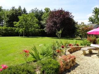 A tranquil, comfortable 'home from home' - Deux-Sevres vacation rentals