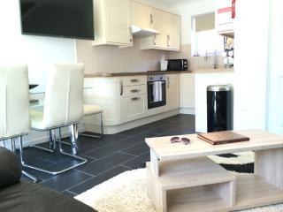 Beautiful 3 bedroom Corton Villa with Internet Access - Corton vacation rentals