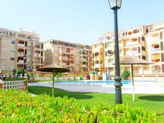 Garden Botanic,2 bedrooms, pool, wi-fi, TVsatelite - Torrevieja vacation rentals