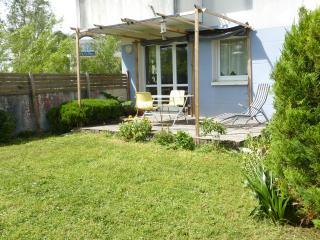 T3 avec jardin- proche plage et centre La Rochelle - Aytre vacation rentals