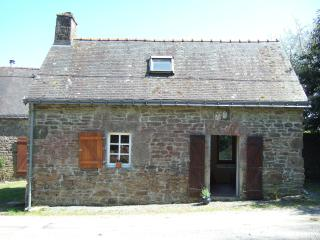 A Charming Breton stone cottage - Kernascleden vacation rentals