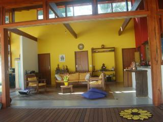Bright 3 bedroom Paraty House with Internet Access - Paraty vacation rentals