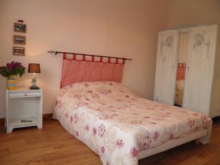 27m² meublé 2 adultes + 1 enfant - Murol vacation rentals